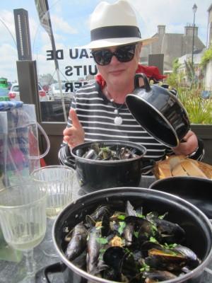Kathy enjoying Barfleur's famous moules